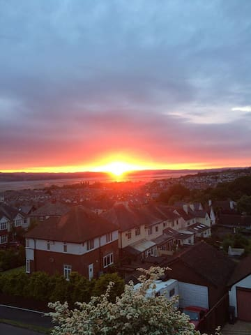 Estuary views, double plus pull out bed sleeps 3rd - Exmouth - Huis