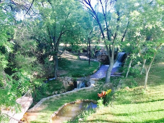 Madara Falls- 25 min to Sedona!
