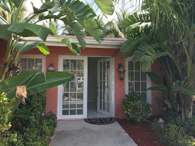 Casa de Coralina 2,000 sf cottage - price reduced