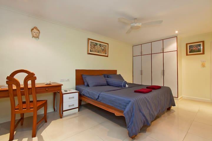 Argyle 2 Bed (16) Penthouse
