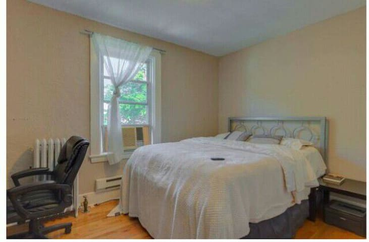 Standardly furnished room in beautiful home