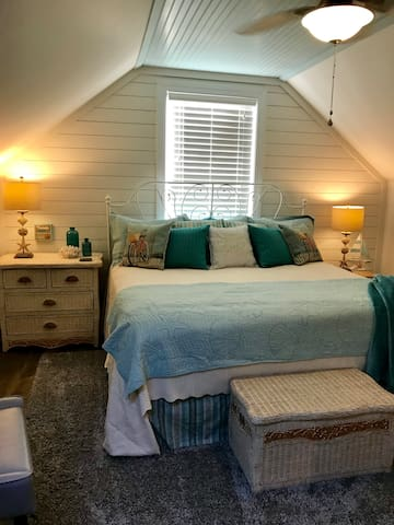 King Size Bedroom in Summerville, SC