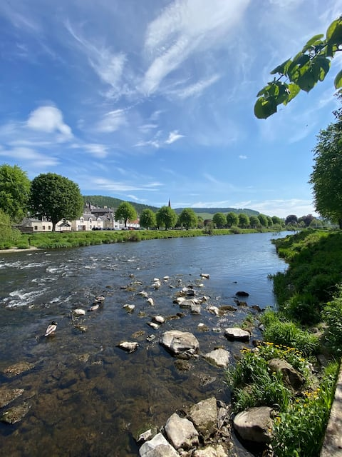 Stunning 2 bed flat with views of the River Tweed.