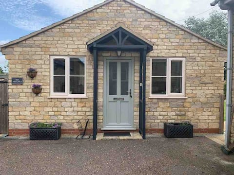The Medlars 1 bedroom self contained bungalow