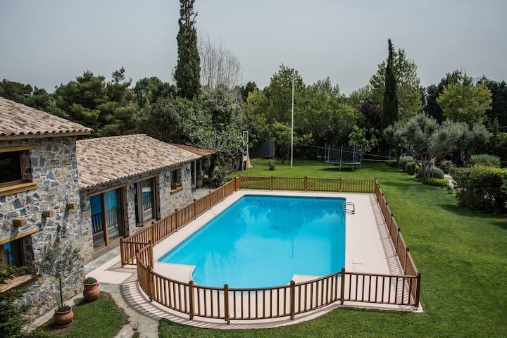 Country villa with pool & tennis - Tatoi - Villa