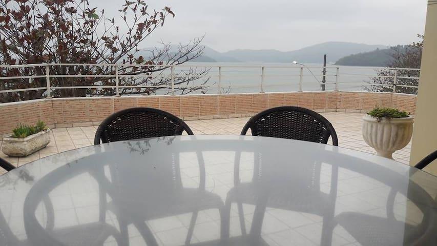 Beira Mar - Residencial Gian e Giovanni - Porto Belo - Pis