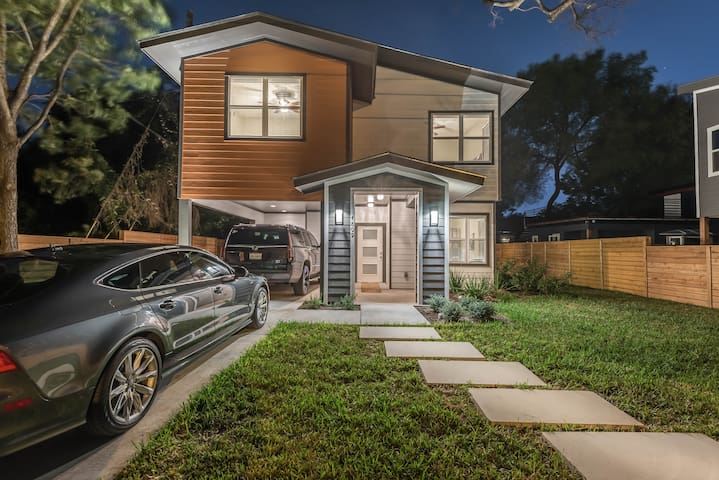 Beautiful Brand New Home-5 Min to Downtown Austin