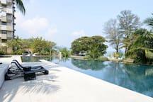 Infinity Seaview Pool