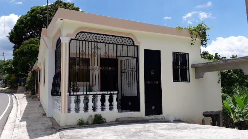 Casa cerca de 2 ríos y montañas proximo a Bonao