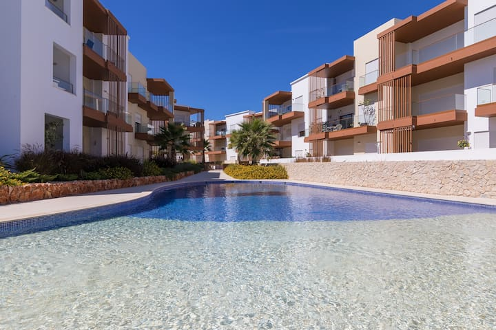 Lovely Modern Holiday Apartment in Portimao