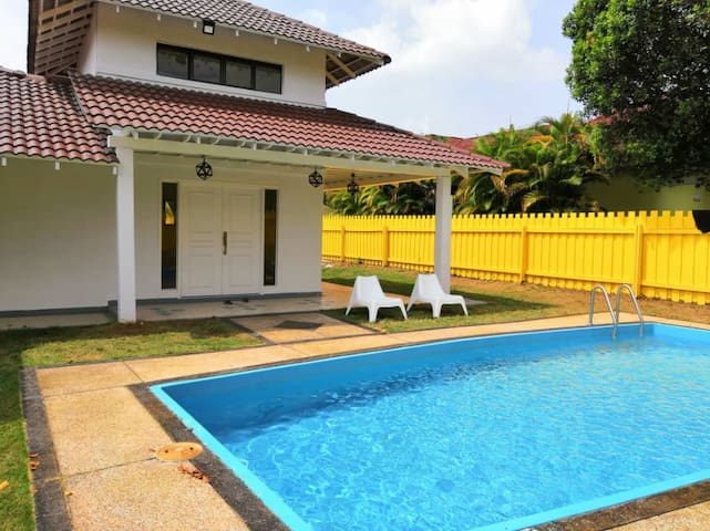 Outdoor clean swimming pool and come with fencing privacy place
