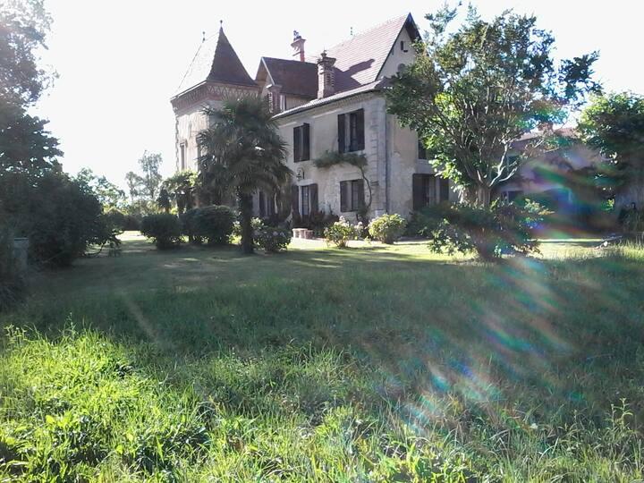 "St Lon, ""Carpe diem"" au Château du Prada..."