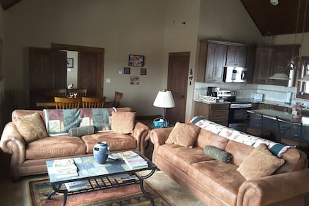 Aspen Hollow B&B Guest House - Granby - Guesthouse