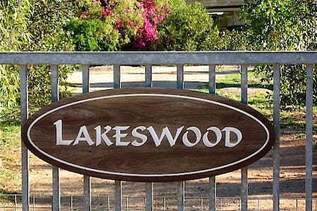 Lakeswood B&B