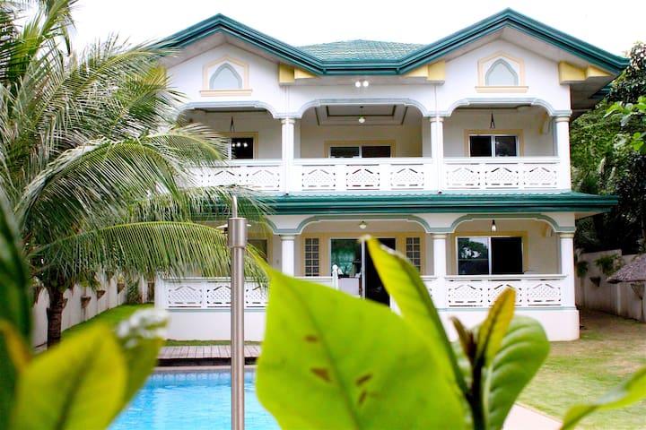 J&P Family Beach House Room6 - Dauin - House