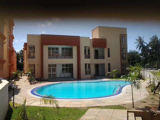 Quiet 2 Bedroom Apartments; near beach - Mtwapa - Apartment