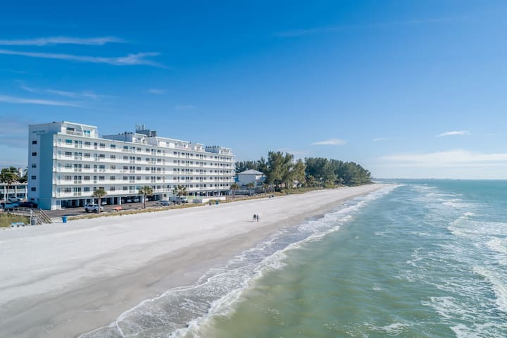 Cozy 1/1 on Sunset Beach~Perfect for Quick Getaway