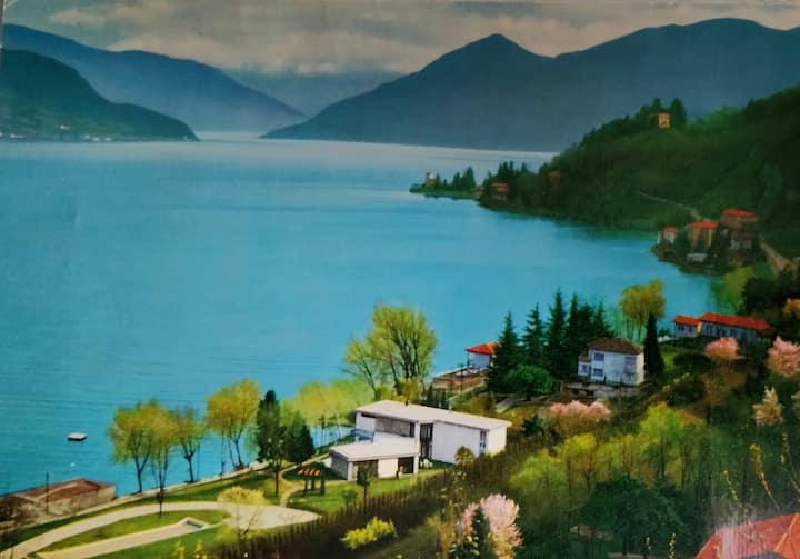 Villa al Lago-Traumseesicht-riesiger Garten-Strand