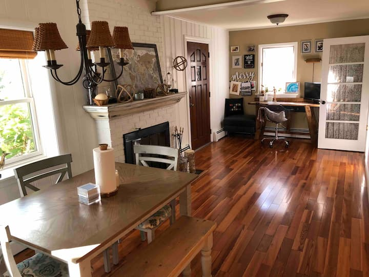 Serene Country Family Escape in Quiet Williams Bay