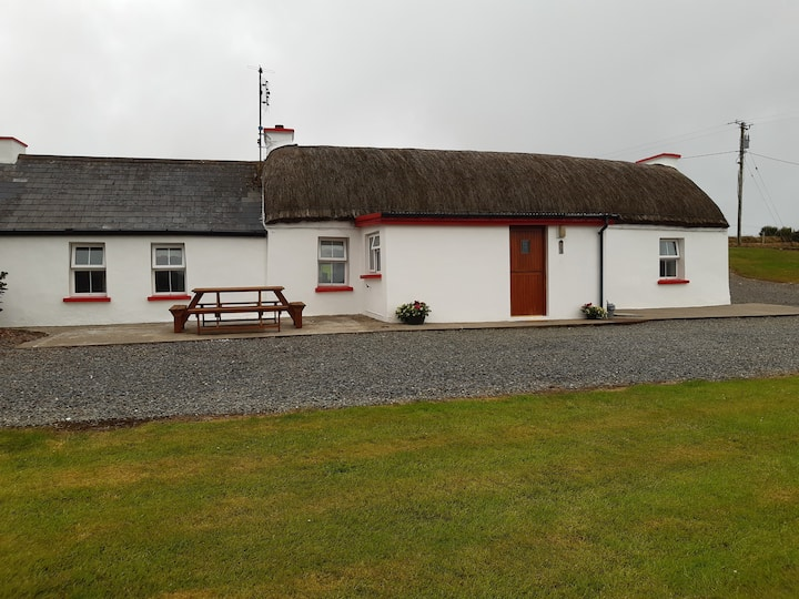 Wonderful Rustic Cottage, Co. Donegal, Ireland