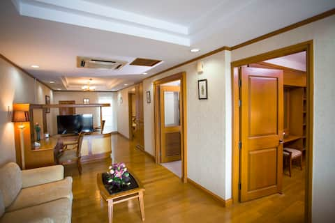 Grand, Spacious Penthouse in Yangon (Free Parking)
