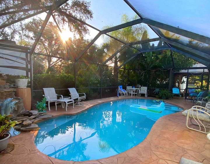 Luxury Stay & Saltwater Pool Near New Smyrna Beach