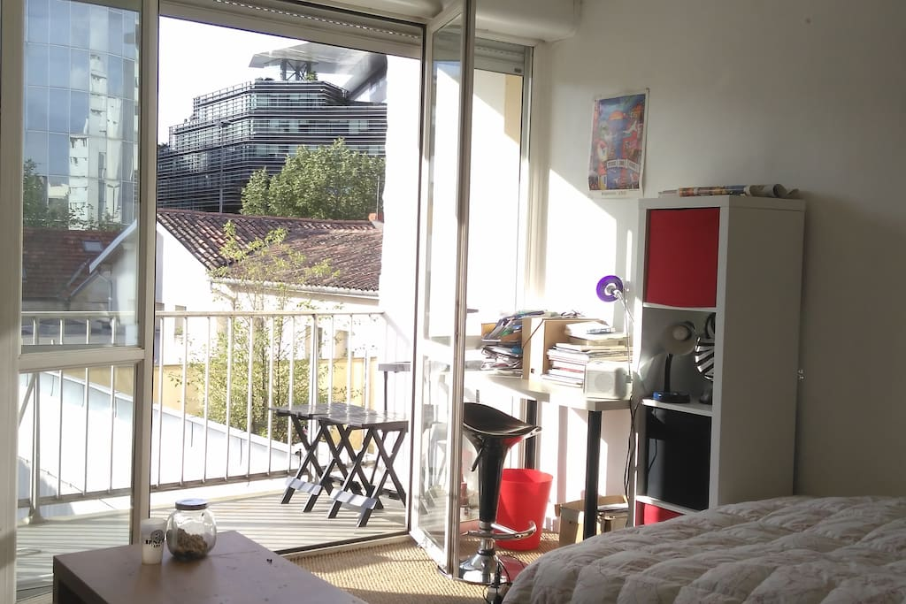 Studio tout confort appartements en r sidence louer for Residence location bordeaux