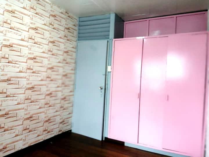 Yssa's room