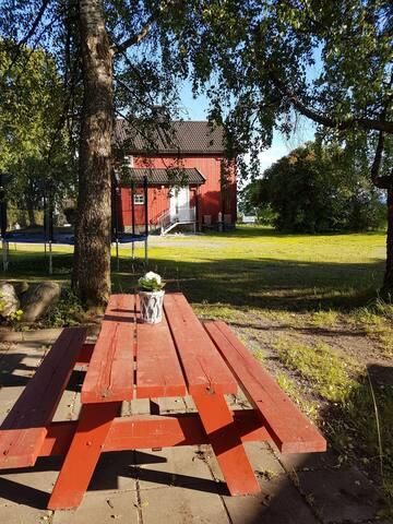 Koselig hus på gård utenfor Hamar