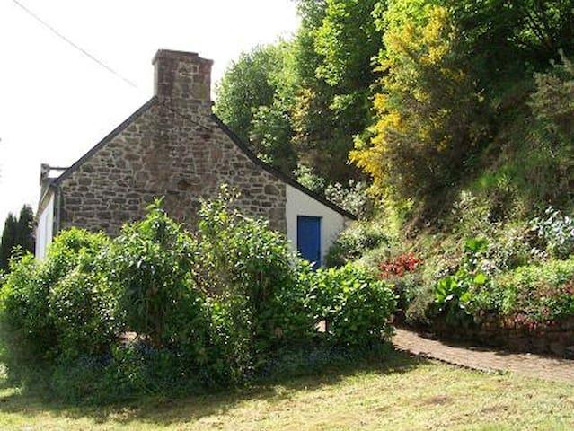 Terrasse, côté du gîte
