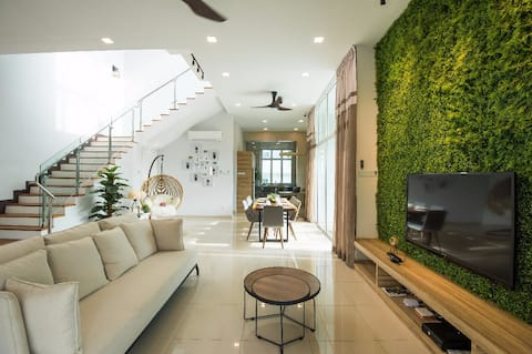 Dolomite, by iO Home at Templer Park