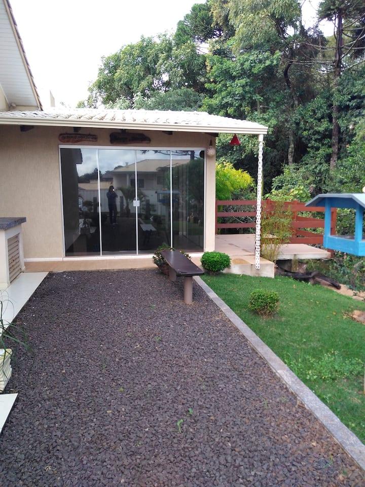 Casa com vista para o parque florestal