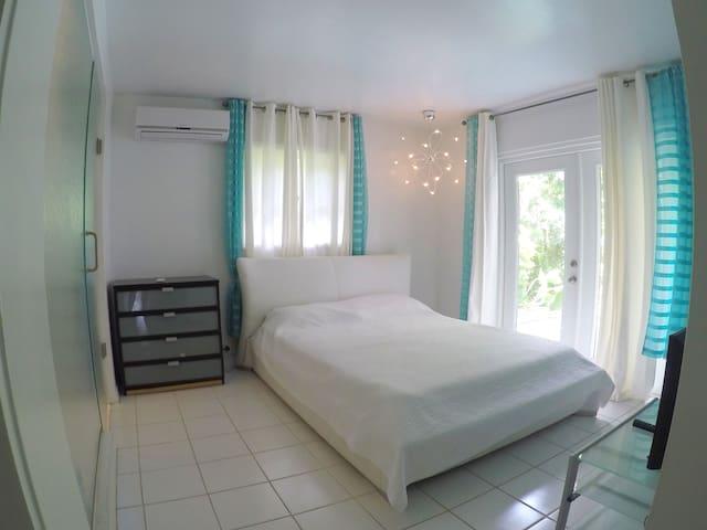 Aqua Room at Mini-Resort