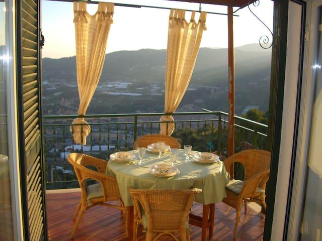 Casa panoramica a Castellaro - Castellaro - Apartmen