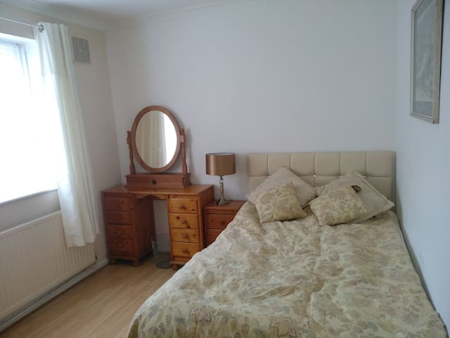 Cosy double room near Medway Uni Campus