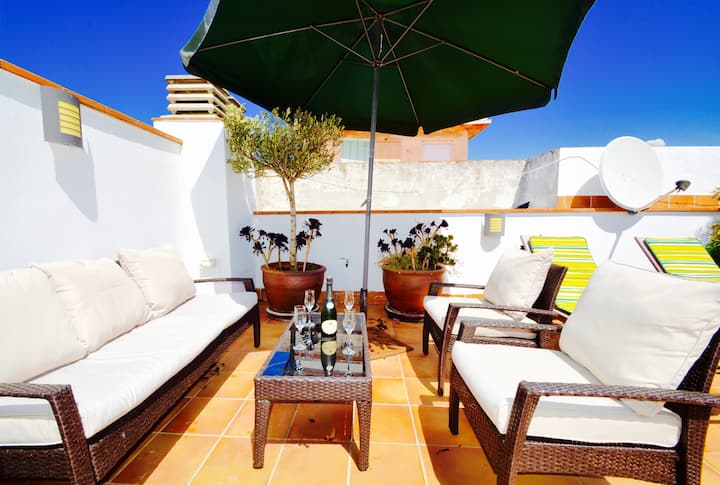 BENITO incredible large roof terrace