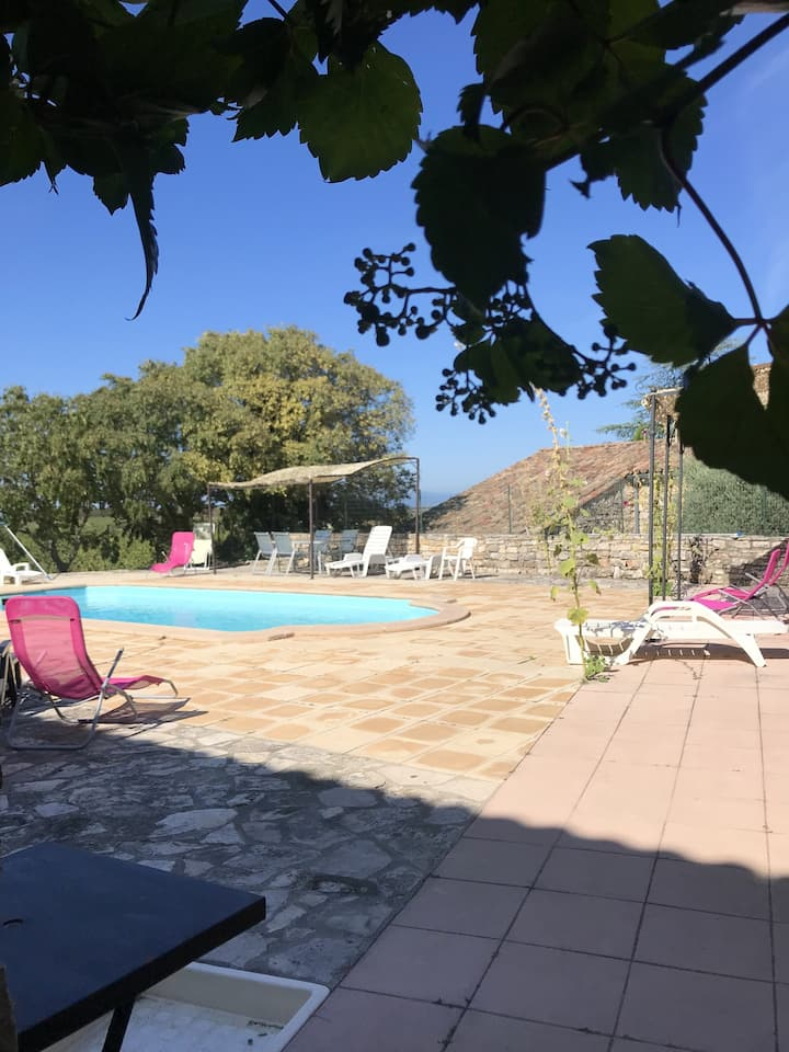 House with 2 bedrooms in Orgnac-l'Aven, with wonderful mountain view, shared pool, furnished garden - 7 km from the beach