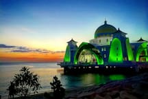 Malacca Straits Mosque ( about 10-15 minutes by Grab)