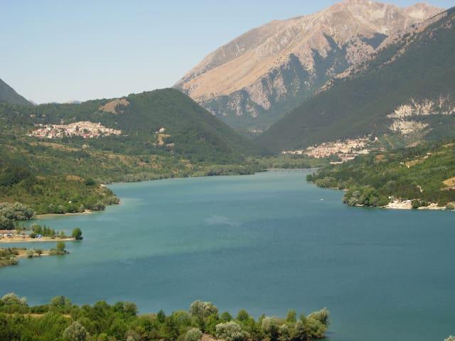 Immersi nei silenzi delle montagne Appenniniche - Montenero Val Cocchiara - Rumah
