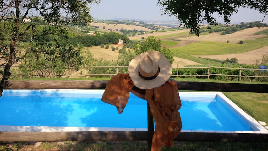 Villa Country House in Le Marche-Appartment Paola - Morro d'Alba - Apartament