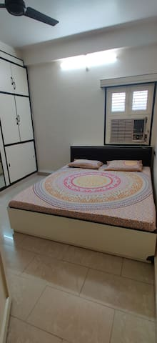 Luxury home stay at heart of city near 56 dukan