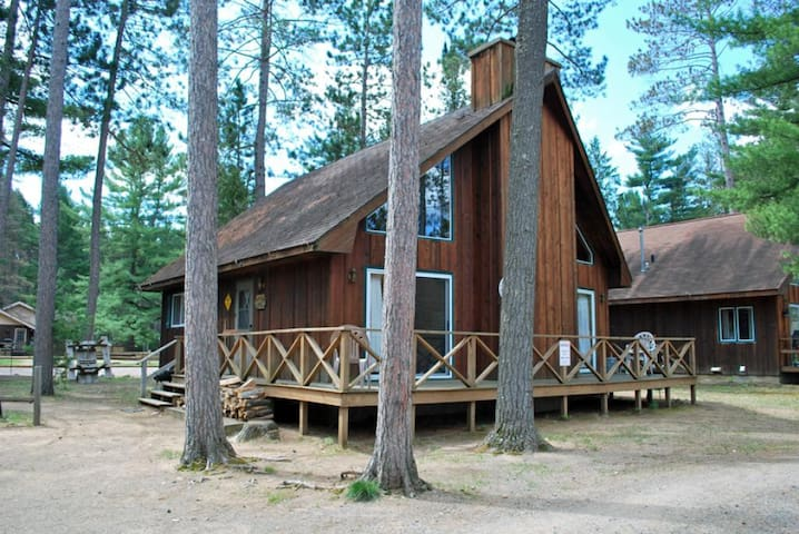 COUNTRY LOFT at Elberts Resort - Hiller Vacation Homes - Free WIFI