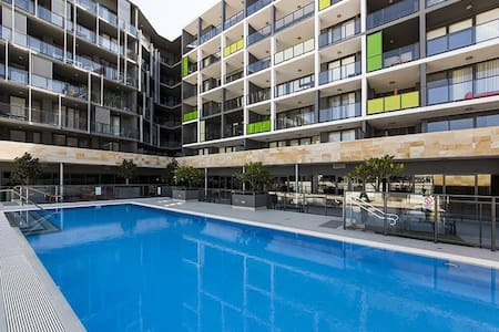 Modern Apartment  In The Heart Of Subiaco - Subiaco - Apartment