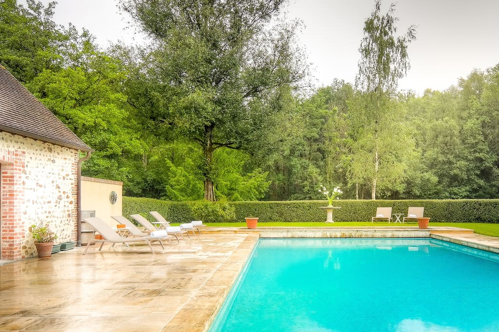 Maison piscine tennis dans le perche 8 11 amis maisons for Piscine mortagne au perche