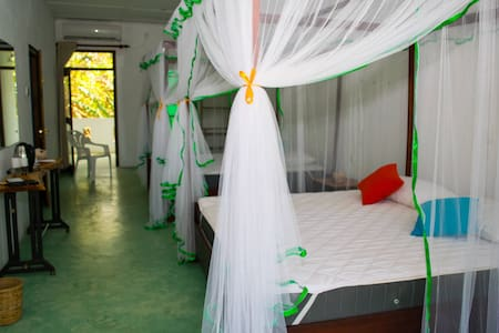 Feel Villa - Kalutara - Bed & Breakfast