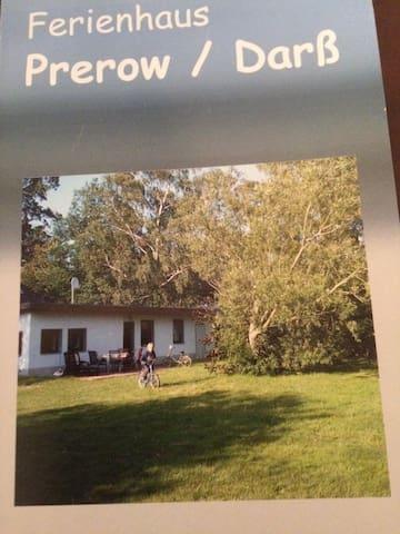 Schönes Wochenendhaus an der Ostsee - Prerow - House