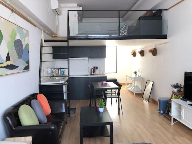 Deluxe Duplex Loft near Mongkok  旺角附近 豪華複式住所
