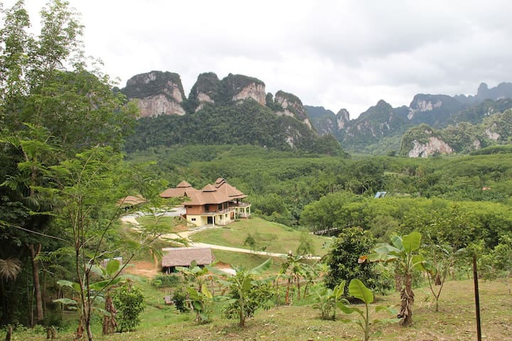 Boon Ya Garden Khao Sok (1 Private Twin room)