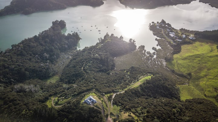 Villa Whangaroa: Election Day Special Discount !!