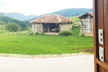 Fazenda Santo Antônio do Bugre, produtora de azeites extra virgem, no bairro do Cantagalo, em São Bento do Sapucaí. Lindo passeio para se fazer, conhecer os processos de plantio de azeitona e da extração do azeite.